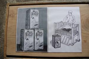 """Um den Absatz von Torfprodukten auszuweiten, entwickelte Floragard in den 30er Jahren den sogenannten """"Flora-Säuglings-Torfmull"""", einen Vorläufer der Windel zur Trockenbettung von Säuglingen."""